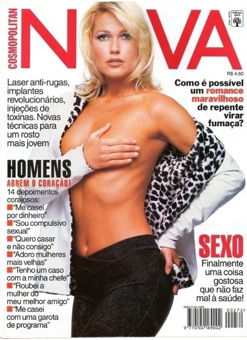2.abr.2015 - Nesta capa da revista Nova, Xuxa não se intimida e faz topless
