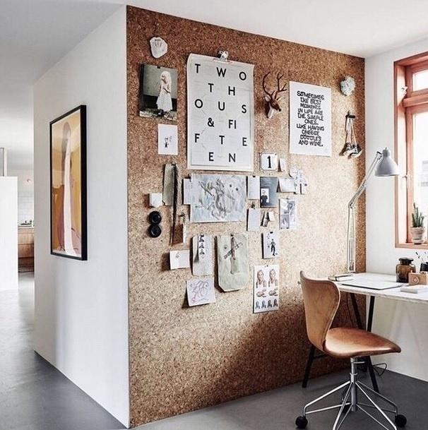 Inspiração para ambientes pequenos: parede transformada em mural. Imagem postada pelo perfil Miss Lanea, no Instagram