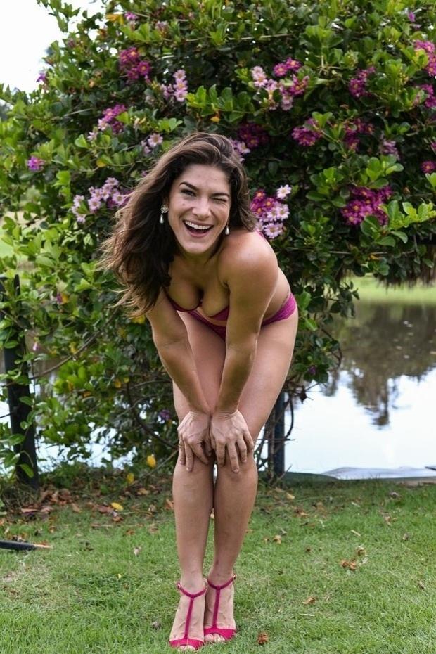 18.mai.2015 - Aos 32 anos, Priscila Fantin exibiu suas curvas durante ensaio de lingerie no Parque Ecológico Engenhoca, na cidade histórica Aquiráz, no Ceará