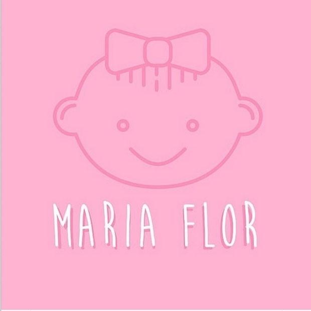 """20.mai.2015 - Deborah Secco usou o Instagram para compartilhar com os fãs o nome de sua filha. A atriz postou uma imagem onde se lê """"Maria Flor"""".  """"Que você venha com muita saúde, meu amor!"""", escreveu na legenda."""
