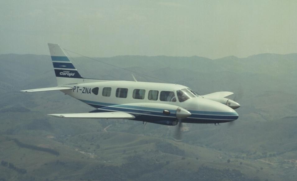 Em 1984, a Embraer lançou a versão EMB 821 Carajá. O modelo tem a mesma concepção de fuselagem do Navajo, no entanto, os motores a gasolina convencionais Lycoming foram trocados por um par de turbo-hélices Pratt-Whitney de 550 hp cada. Desta forma, a velocidade máxima do avião subiu para 407 km/h e a autonomia chegou a 1.666 km. A produção do Carajá também foi encerrada em 2000.
