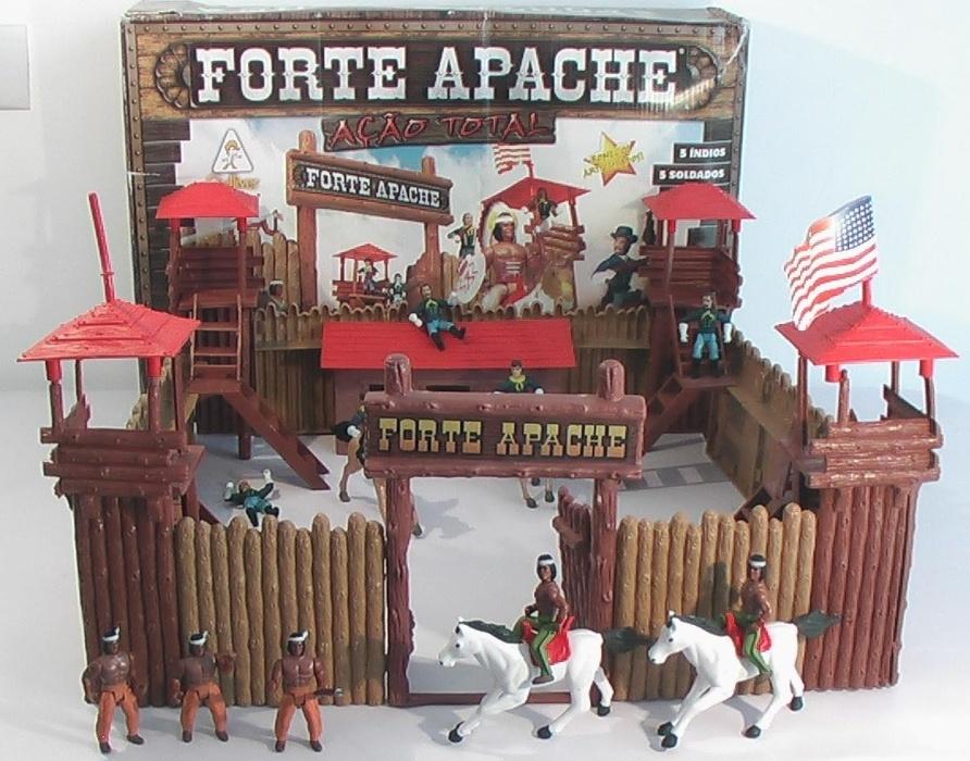 14- O Forte Apache era a paixão dos meninos, que imaginavam batalhas entre cowboys e índios americanos