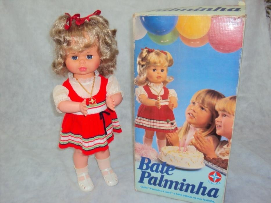 18. Bate Palminha era a boneca preferida das meninas nos anos 80. Ela batia palmas e cantava
