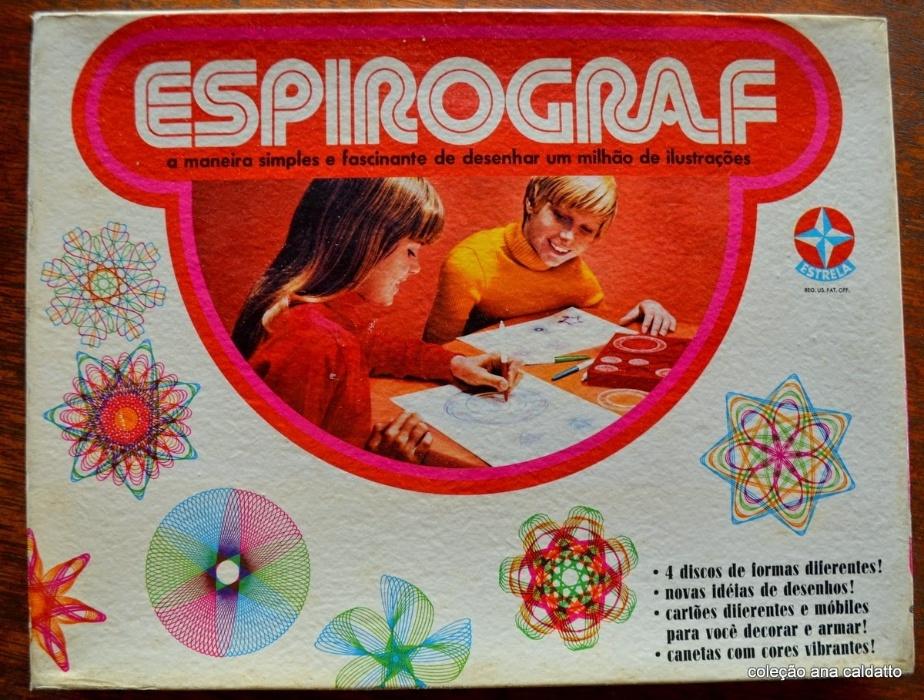 3. Espirograf era um conjunto de réguas circulares e canetas coloridas que permitiam ao jogador fazer diversos desenhos diferentes
