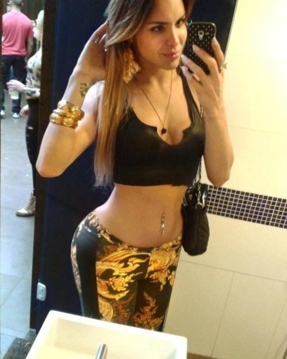 11.mar.2014 - Viviany Beleboni foi uma das candidatas do Grêmio no concurso Belas da Torcida 2014, promovido pelo UOL Esporte