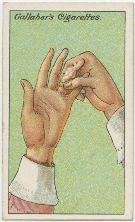 12. Como tirar um anel preso: passe sabão no dedo e vá girando o anel devagar