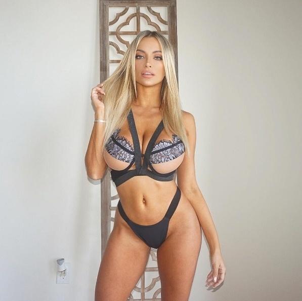 14.set.2016 - Lindsey Pelas ousou ao postar fotos provocantes, só de lingerie, no Instagram. A modelo, que arrasta mais de 4 milhões de seguidores, levou os fãs à loucura com a sensualidade e as curvas