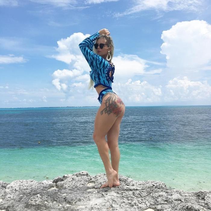 21.set.2016 - Alguns dos biquínis usados por Thalita em Cancún, no México, foram feitos pela irmã da modelo, Thiara Zampirolli