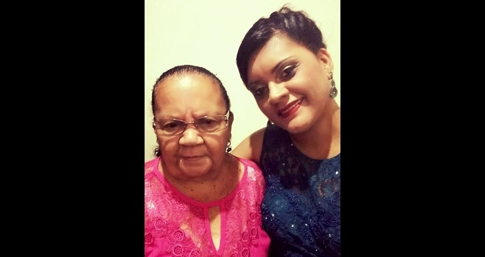 Cláudia com a mamãe Geralda, de Ipatinga (MG)