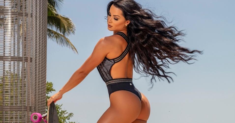 A modelo foi clicada pelo fotógrafo Rogério Tonello