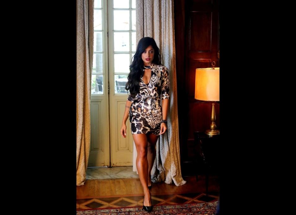 21.dez.2016 - Aline Riscado capricha na sensualidade em ensaio para a marca Planet Girls