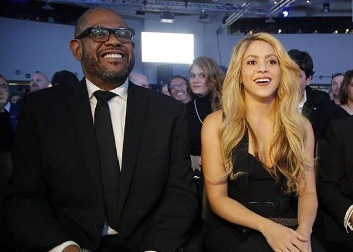 16.jan.2017 - Shakira publica foto ao lado do ator e diretor norte-americano Forrest Whitaker, durante conferência do Fórum Econômico Mundial em Davos, na Suíça