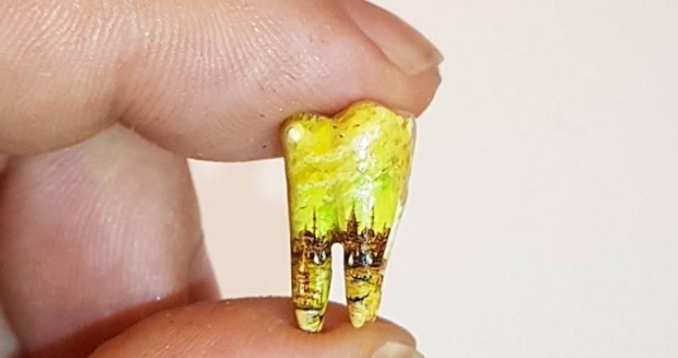 18. Você já pensou em transformar o dente que caiu em uma obra para expor para as visitas na sala de estar?