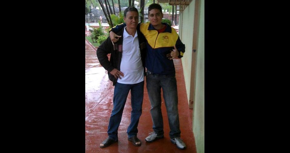O filho Luis Gabriel com o pai Luis Carlos, de Américo Brasiliense (SP)