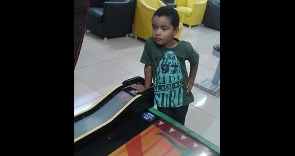 Laura, de Bauru (SP), enviou foto do filho Guilherme, de quatro anos