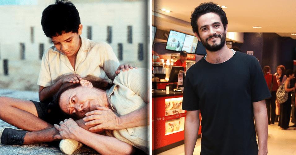 """7.mar.2017 - Vinícius de Oliveira, ator que ficou famoso com o sucesso do filme """"Central do Brasil"""" (1998), prestigiou a estreia do filme """"La Vingança"""", em São Paulo."""