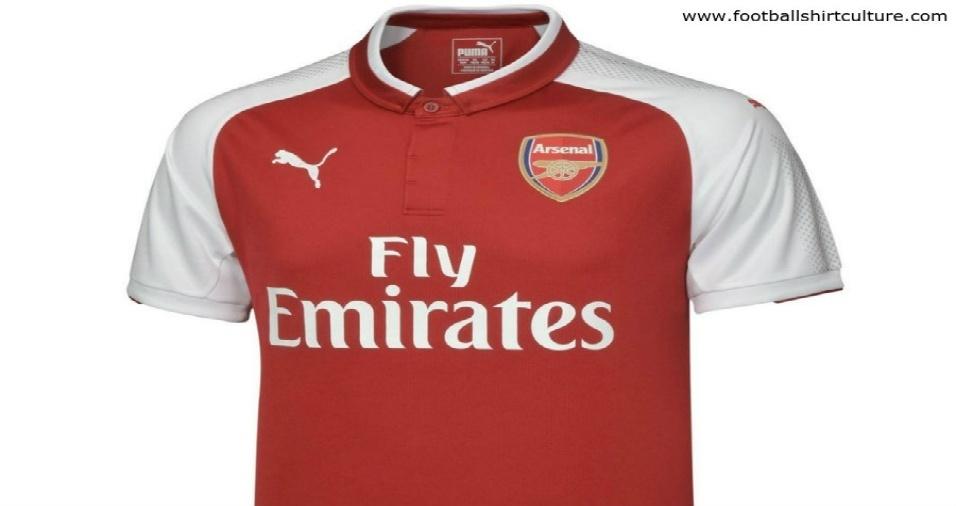 1. O site Football Shirt Culture está apresentando os uniformes dos clubes europeus para a próxima temporada, como o do Arsenal, que traz apenas uma gola mais estilizada que as versões anteriores