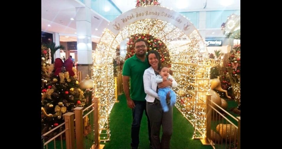 Yanes Gentil (pai), Rejanne Gentil (mãe) e Yugo Felipe Gentil (bebê) registraram o Natal na capital do Maranhão, São Luís