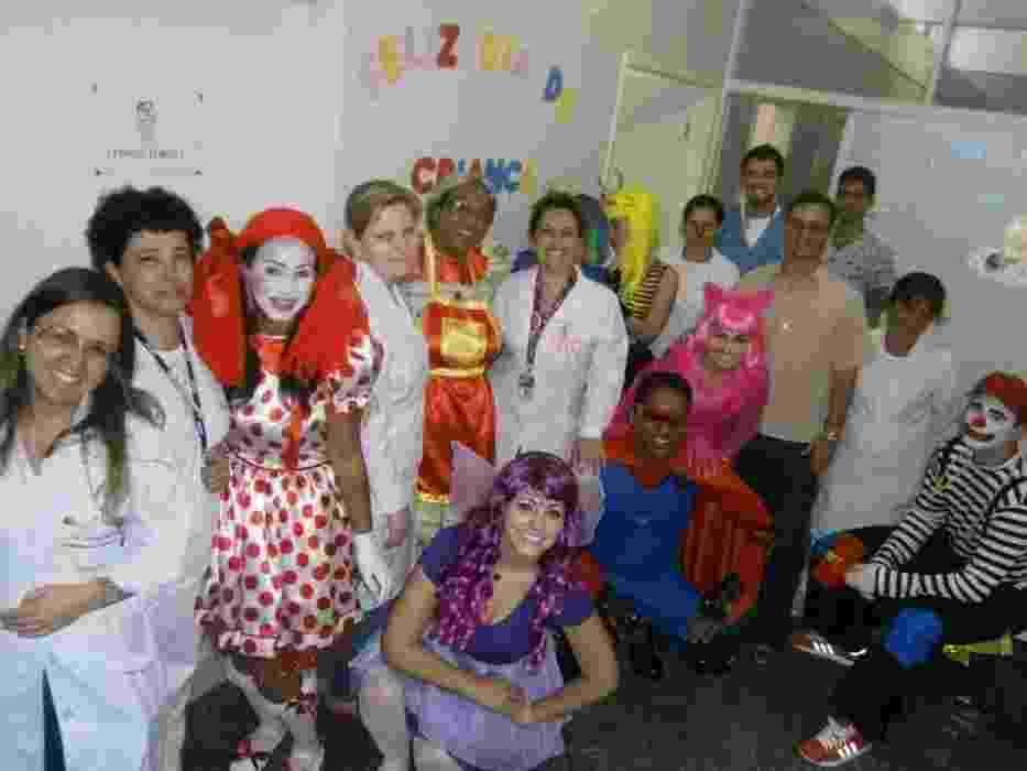 O grupo Patrulheiros do Barulhos, de São José (SC), faz visitas voluntárias em hospitais, orfanatos, asilos, apresentando peça teatral educativa - Arquivo pessoal