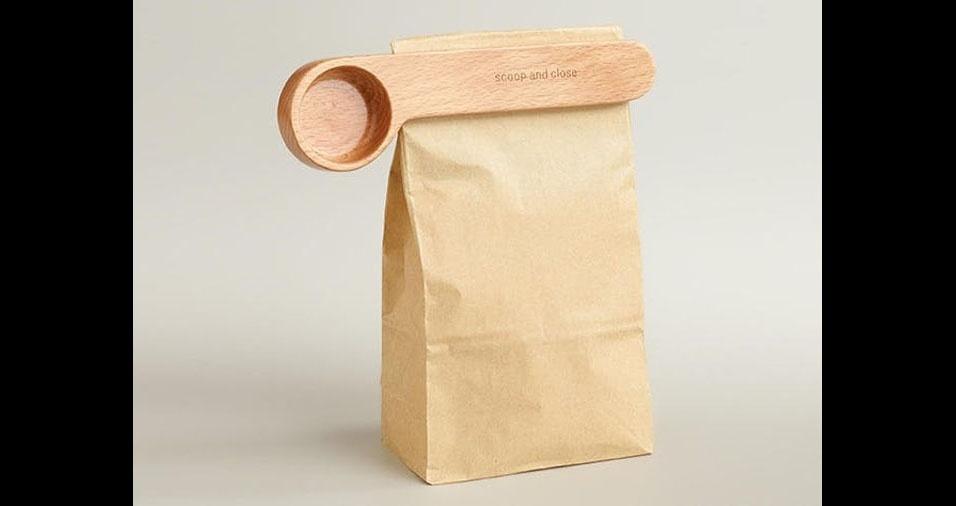 15. Clipe e colher para café