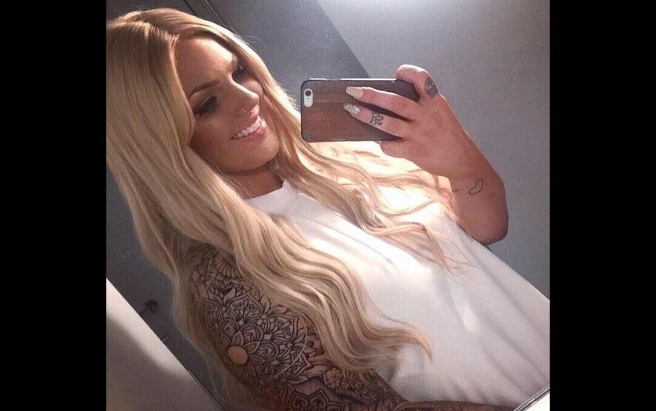 8.dez.2016 - Nascida na Nova Zelândia, a jovem Bailey Price diz que é famosa entre os amigos por exibir o bumbum em público