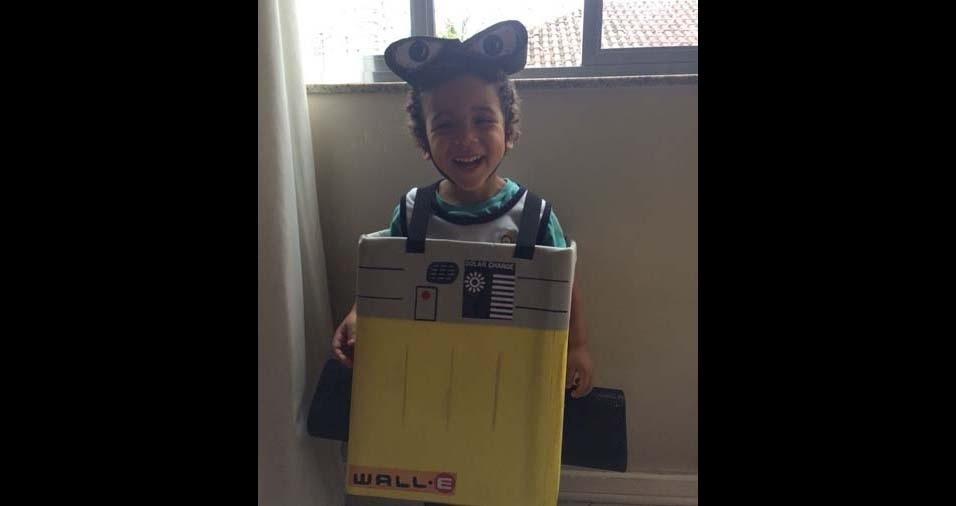 Livia enviou foto do filho Davi de dois anos