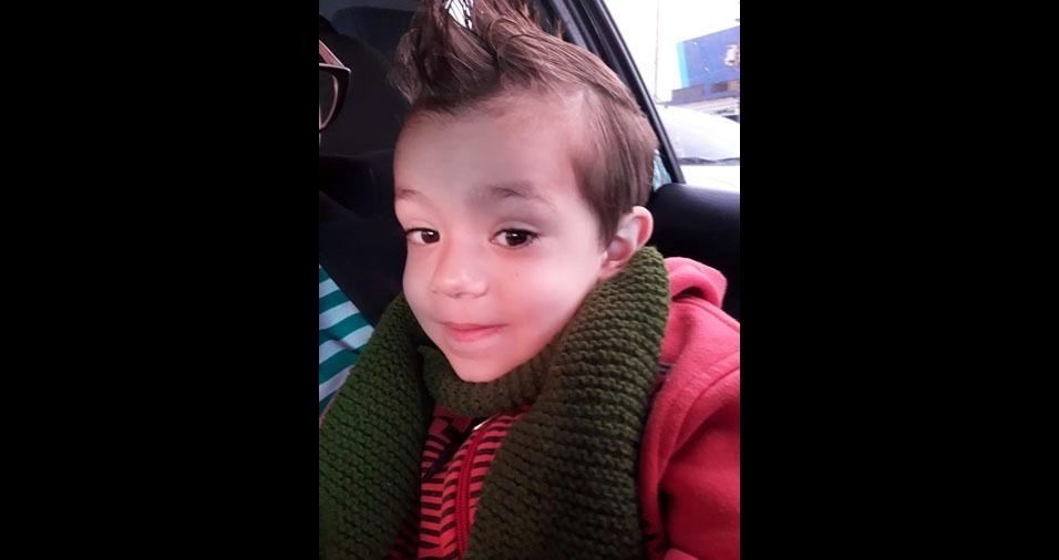 """""""Gostaria muito de ver a foto do meu pequeno Príncipe Yan no BOL"""", diz a mamãe Lethícia Alline Costa, de São Paulo (SP)"""