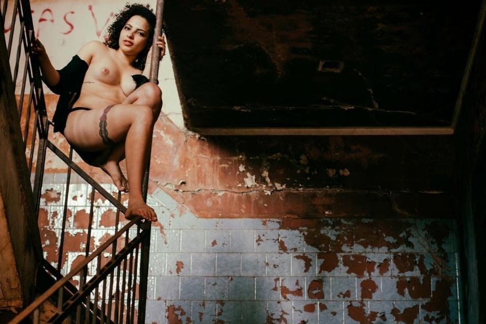 1°.out.2015 - Natalia foi fotografada em vários ambientes do local, que fica em Brodowski, no interior de São Paulo