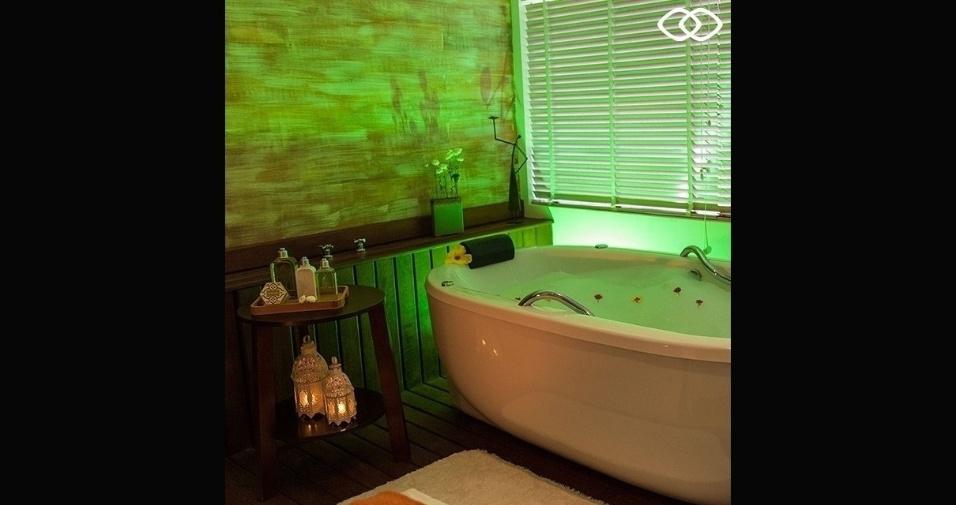 Banheira em local de relaxamento e estética