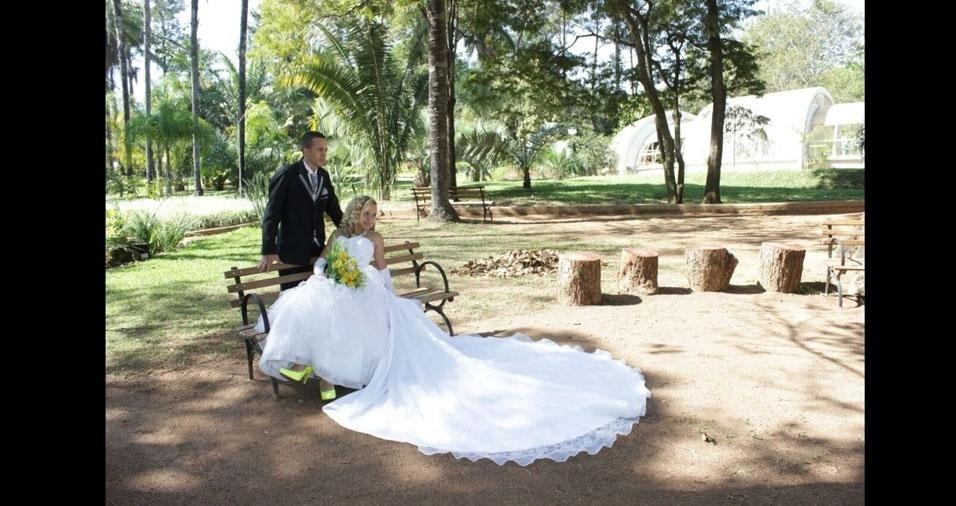 Jaqueline Silva dos Reis e Rilys Aexandrino Almeida Silva se casaram em 13 de junho de 2013