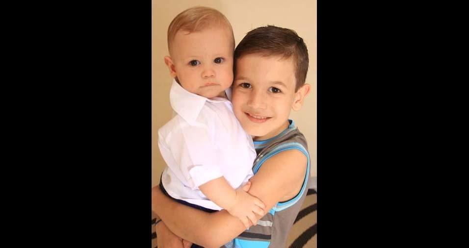 Ricardo Henrique e Telma Cristina enviaram a foto dos filhos Leo e Jeferson