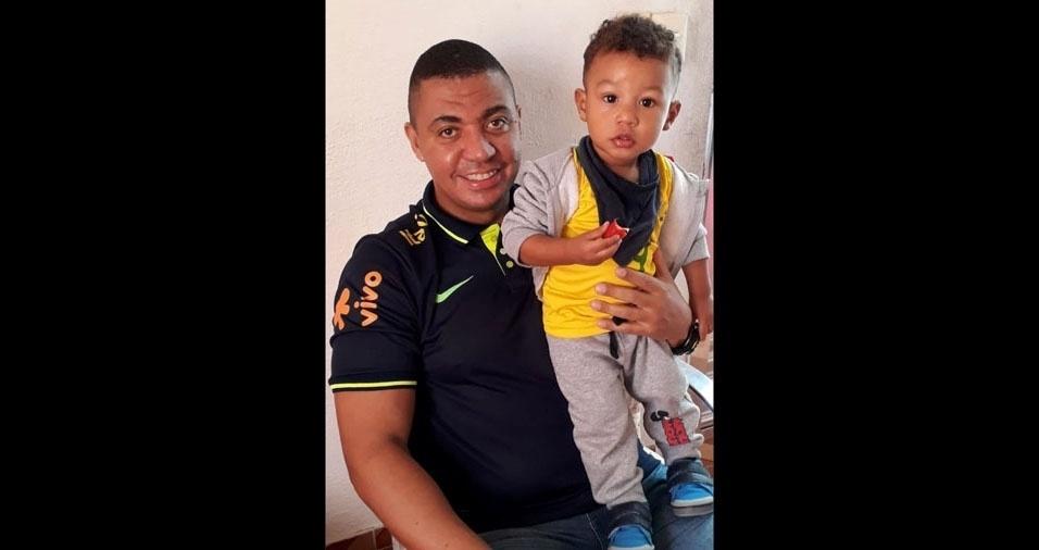 Lourival de Jesus Filho com o filho, Nathan, de São Paulo (SP)