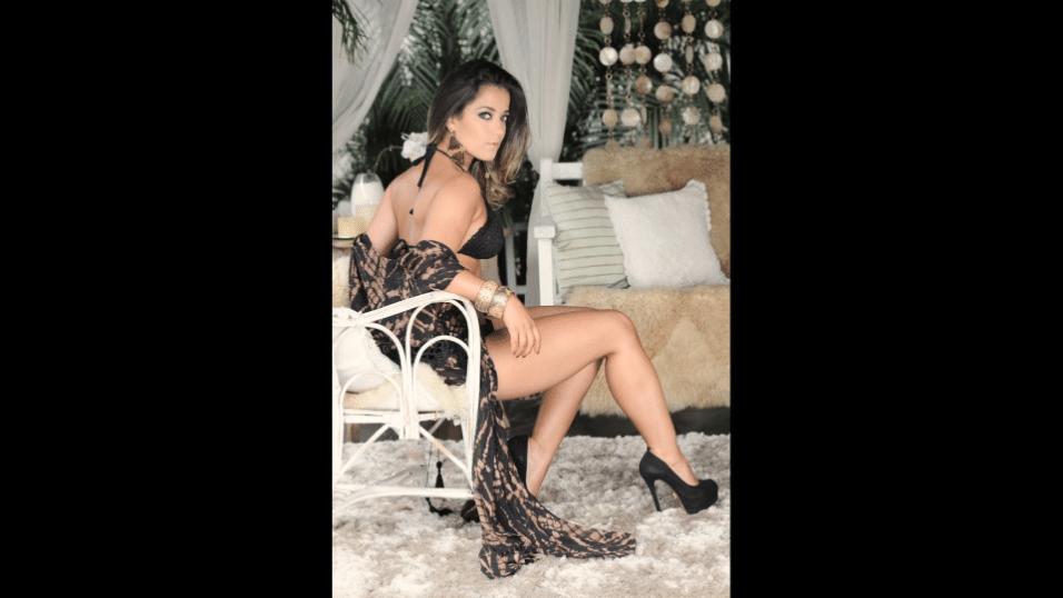 """2.mai.2017 - Micheline Cruz é a estrela de maio da revista """"Sexy"""", ao lado da modelo Caroline Aguiar"""