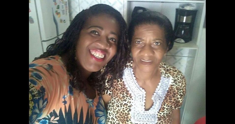 Débora Kelly com a mamãe Helena Maria, de Salvador (BA)