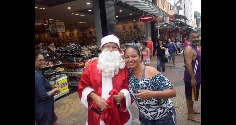 """""""Feliz Natal e feliz aniversário pra mim"""", comemora Leda Maria S.Santana, de São Sebastião (SP)"""