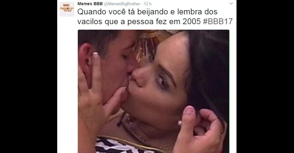 27.jan.2017 - Mayara foi flagrada beijando Antônio de olhos abertos, e aí surgiu um belo motivo para memes!