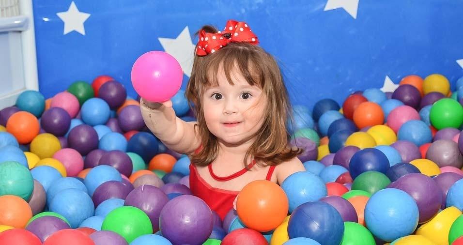 Ana Carolina e Herbert, de Mirassol (SP), enviaram foto da filha Helena, de dois anos