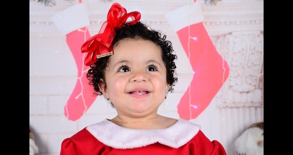 Pierre e Erika enviaram foto da princesa Isabelly, de um ano e dois meses, em clima de Natal, de Rio Grande da Serra (SP)