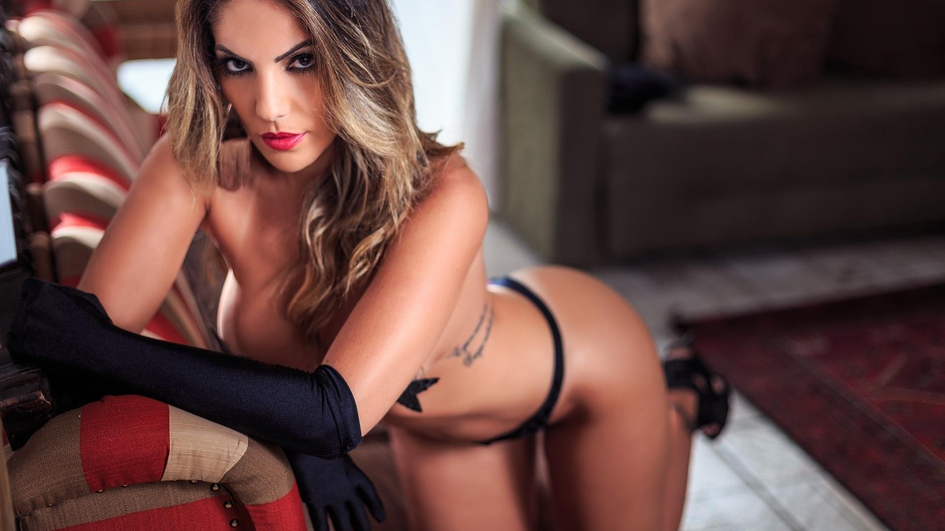 25.out.2016 - Anamara é a estrela de um novo ensaio sensual, desta vez para o site Diamond Brazil. A baiana participante do