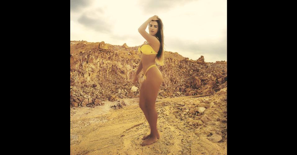30.jun.2017 - Apesar de satisfeita com as próteses de silicone, a modelo Mariana Rios não descarta trocá-las por outras maiores, mas declarou que não gosta de intervenções que interferem no lado funcional do corpo