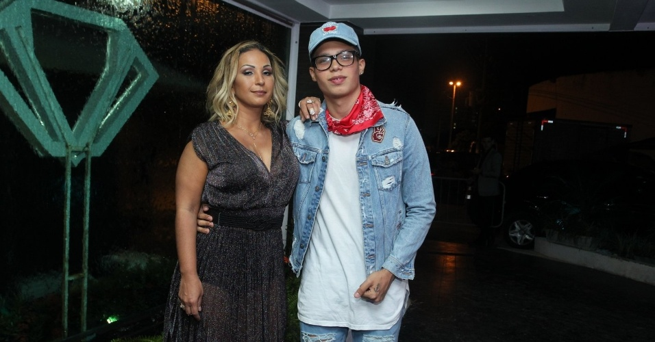 26.abr.2017 - Valesca Popozuda compareceu à festa de 22 anos de Ludmilla acompanhada do filho Pablo Gomez