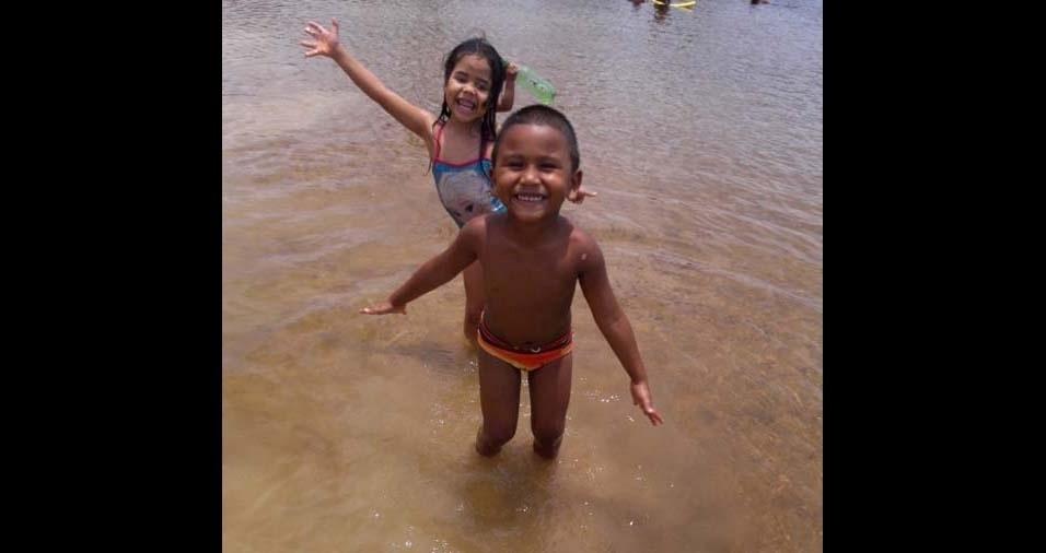 Silvianne, de Macapá (AP), enviou foto dos filhos Henzo Ryan e Agata Fernanda