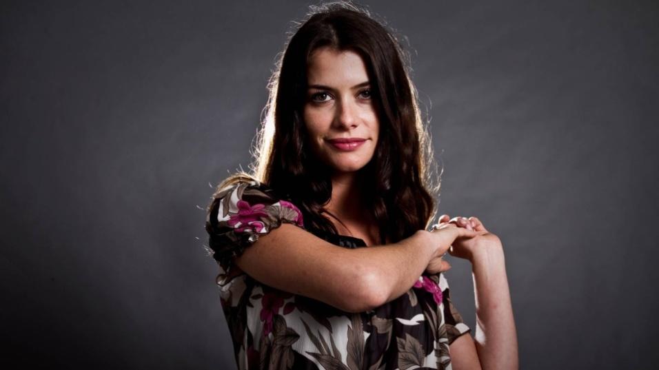 """2011 - Alinne Moraes, em foto de divulgação da personagem Lili na novela """"O Astro"""""""