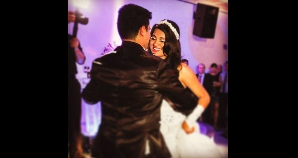 """Ronaldo e Daiany se casaram em 24 de outubro de 2015, na Paróquia São Luis Gonzaga, em São Paulo. """"A noiva mais linda do mundo"""", segundo o maridão"""