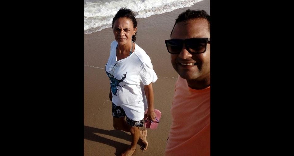 Charles com a mamãe Cleonice, de João Pessoa (PB)
