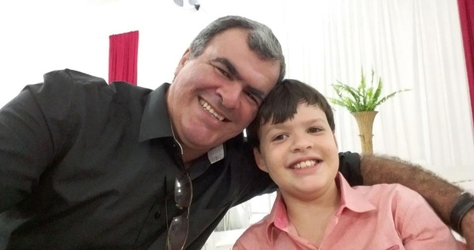 Gabriel e o papai Eraldo, de Rio Real (BA)