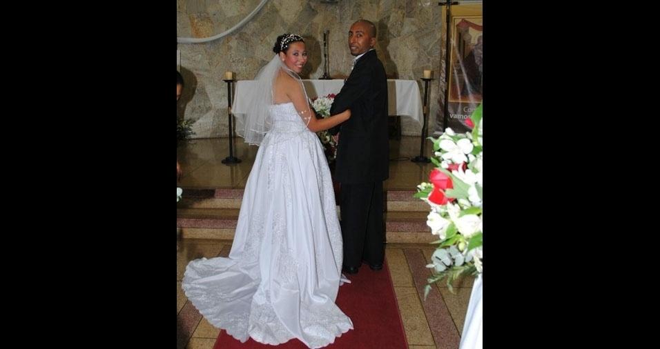"""Bruna Queiroz e Antonio Carlos se casaram no dia 16 de julho de 2011, na Capela Jesus de Nazare, em Itapecerica da Serra (SP): """"Te amo minha vida, o que Deus une o homem não separa."""""""