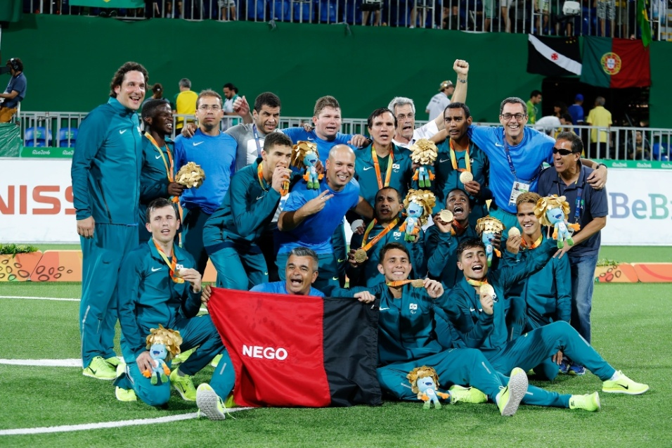 17.set.2016 - A seleção masculina do Brasil conquistou o ouro no futebol de 5 após derrotar o Irã por 1 a 0 na final