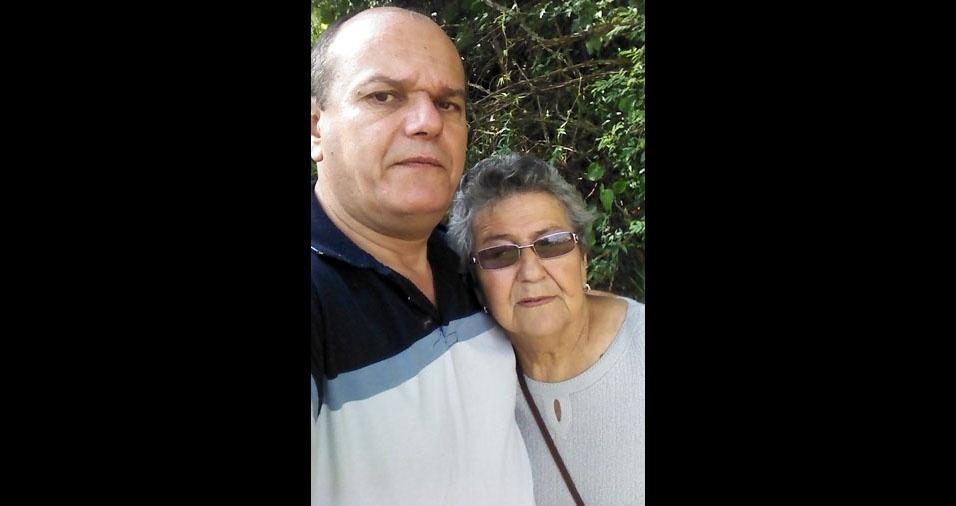 Emilio e a mamãe Anésia