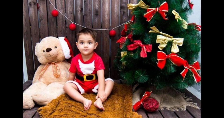 Amanda Cristina e Bruno Gomes enviaram foto do filho Jorge Miguel no seu ensaio de Natal